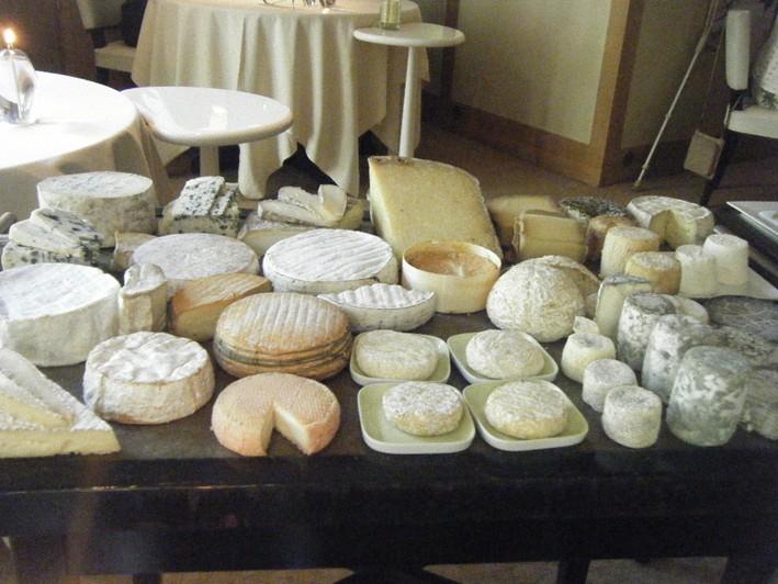 troisgros-cheese-board-w709-h532
