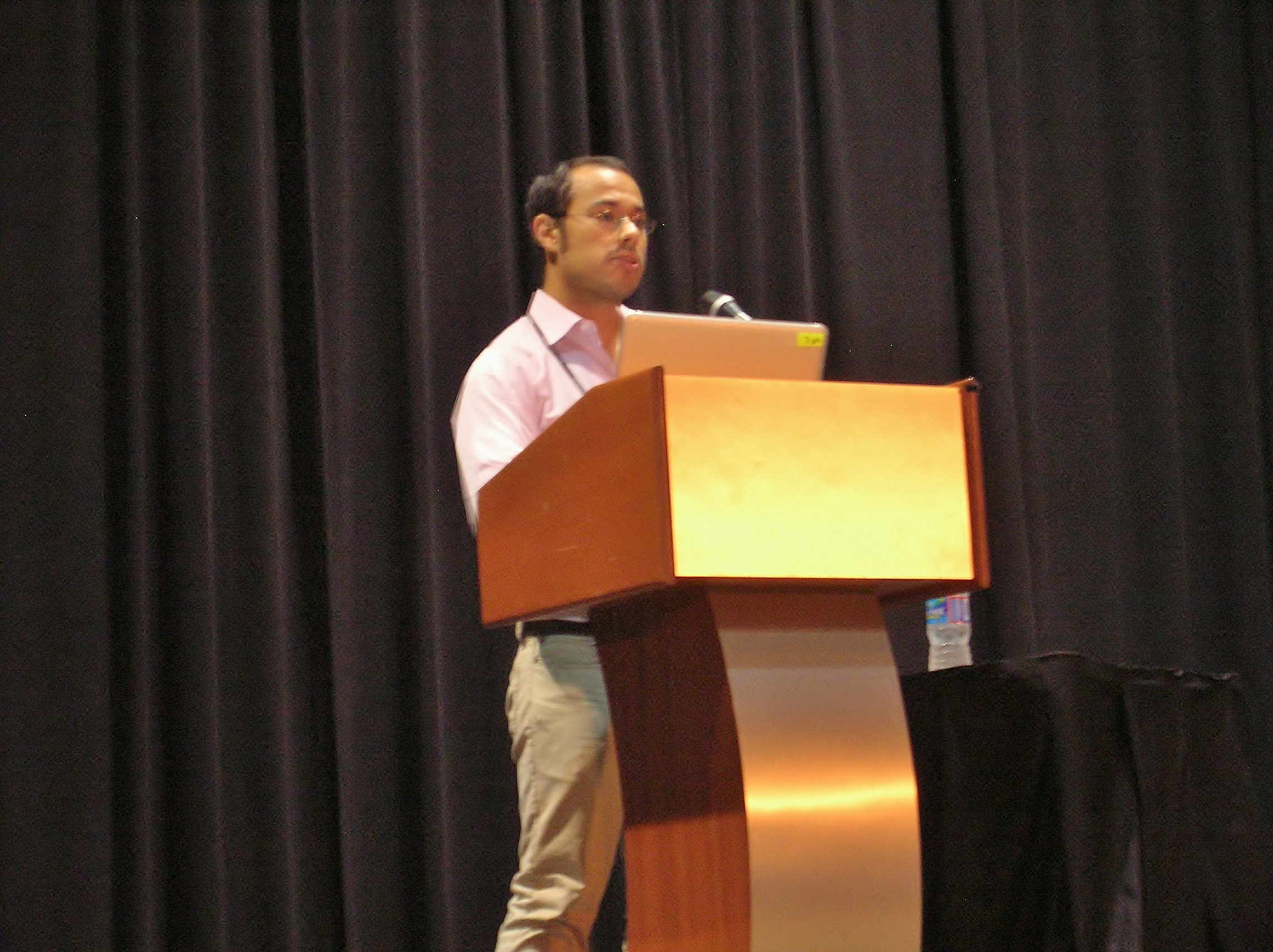Dan Matute giving the Dobzhansky Prize Lecture at Evolution 2014 in Raleigh, NC.