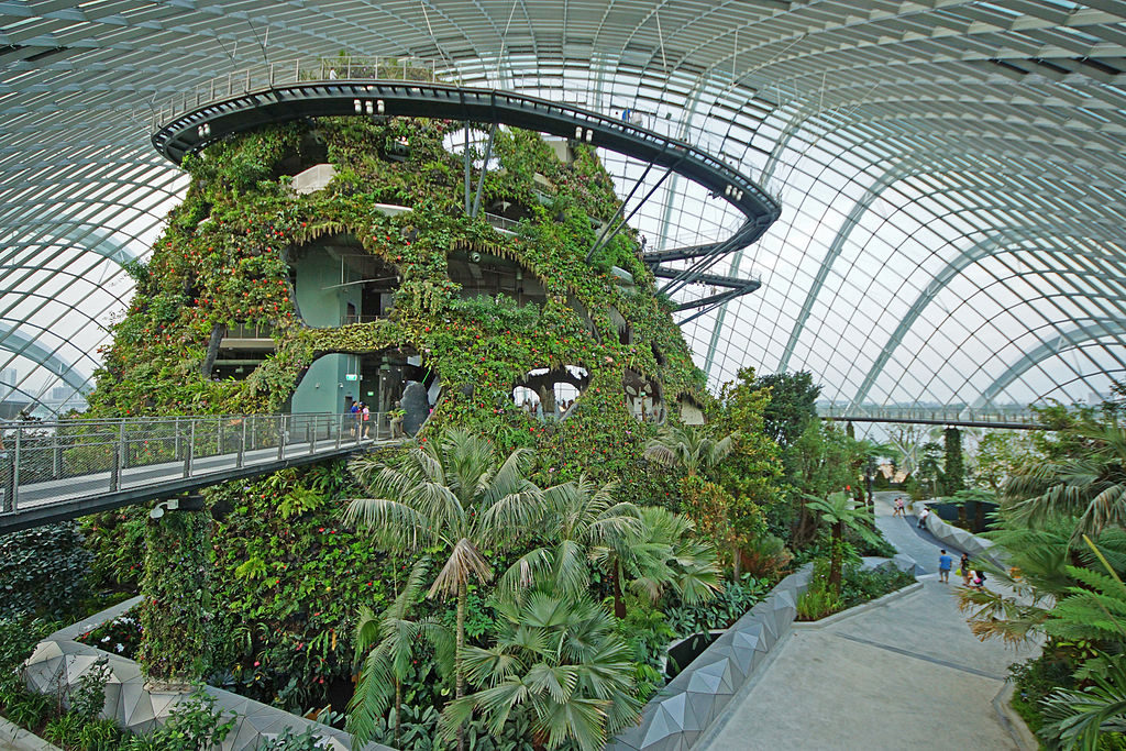 1024px-cloud_forest_gardens_by_the_bay_singapore_-_20120617-05