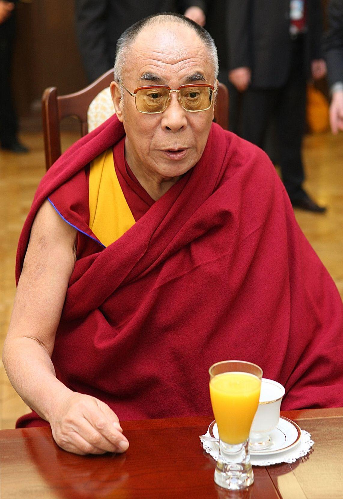 14th_dalai_lama_tenzin_gyatso_senate_of_poland_01